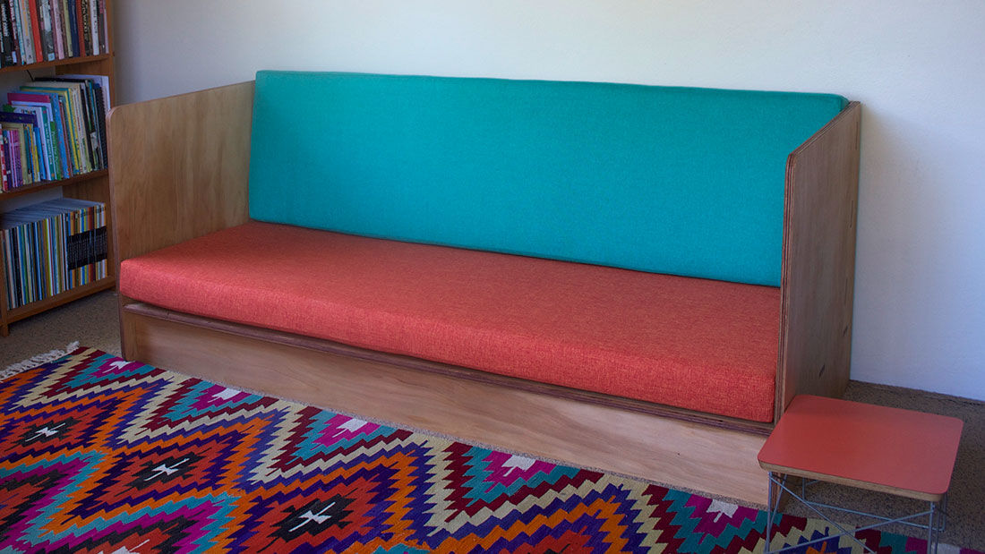 couch-1100