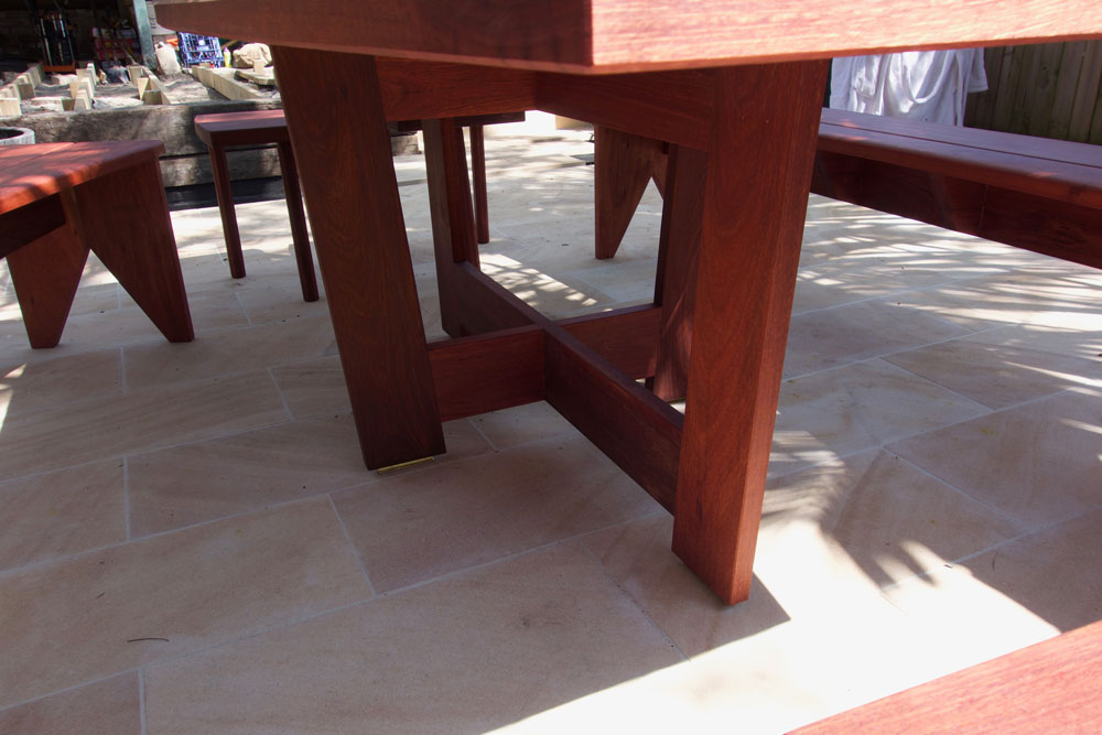 Rick's outdoor setting, table detail