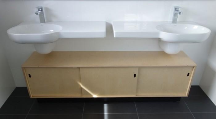 Bathroom cabinet in birch plywood