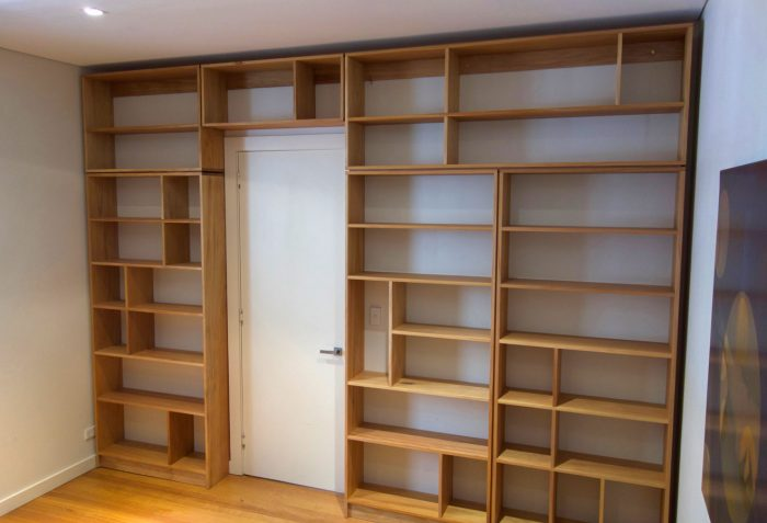Built-in wall shelving
