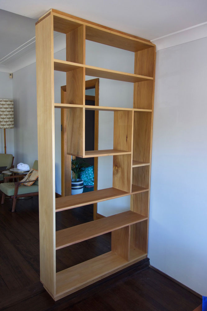 Room-divider shelves